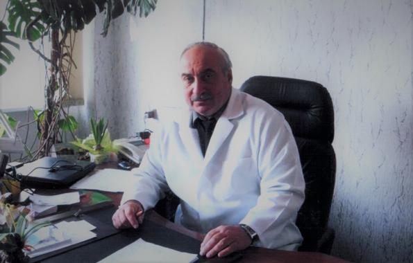 Евгений Павлович Яковцов, проф., д.мед.н. – хирург к которому тянулись люди