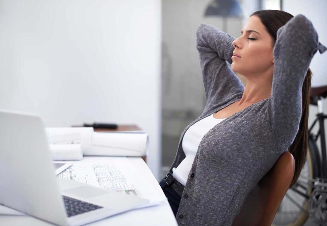 Сидячая работа. Комплекс упражнений на рабочем месте