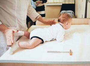 Які симптоми говорять про те, що дитину треба показати неврологу?